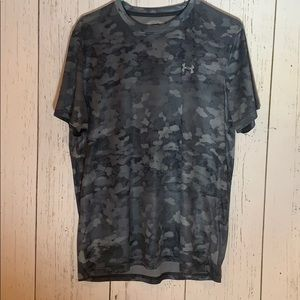 Under Armour Gray Camouflage Short Sleeve Tee